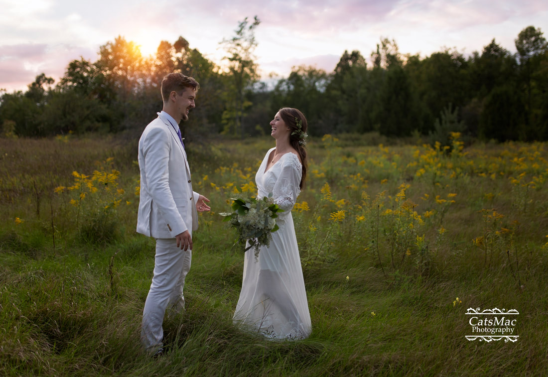 bride groom sunset field